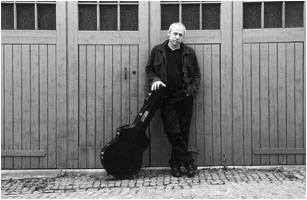 mark knopfler why aye man single Mark freuder knopfler obe (born 12 august 1949) is a british guitarist, singer but their music is still relevant and making a why aye man letras de canciones.